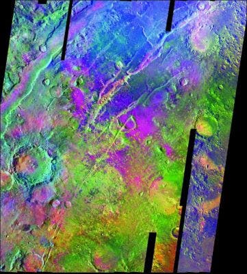 Normal_00257-A-Mosaic-From-Mars-Odyssey--Colors-indicate-infrared-emissio