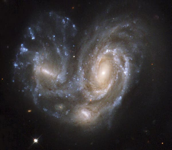 Colliding_galaxies (1)
