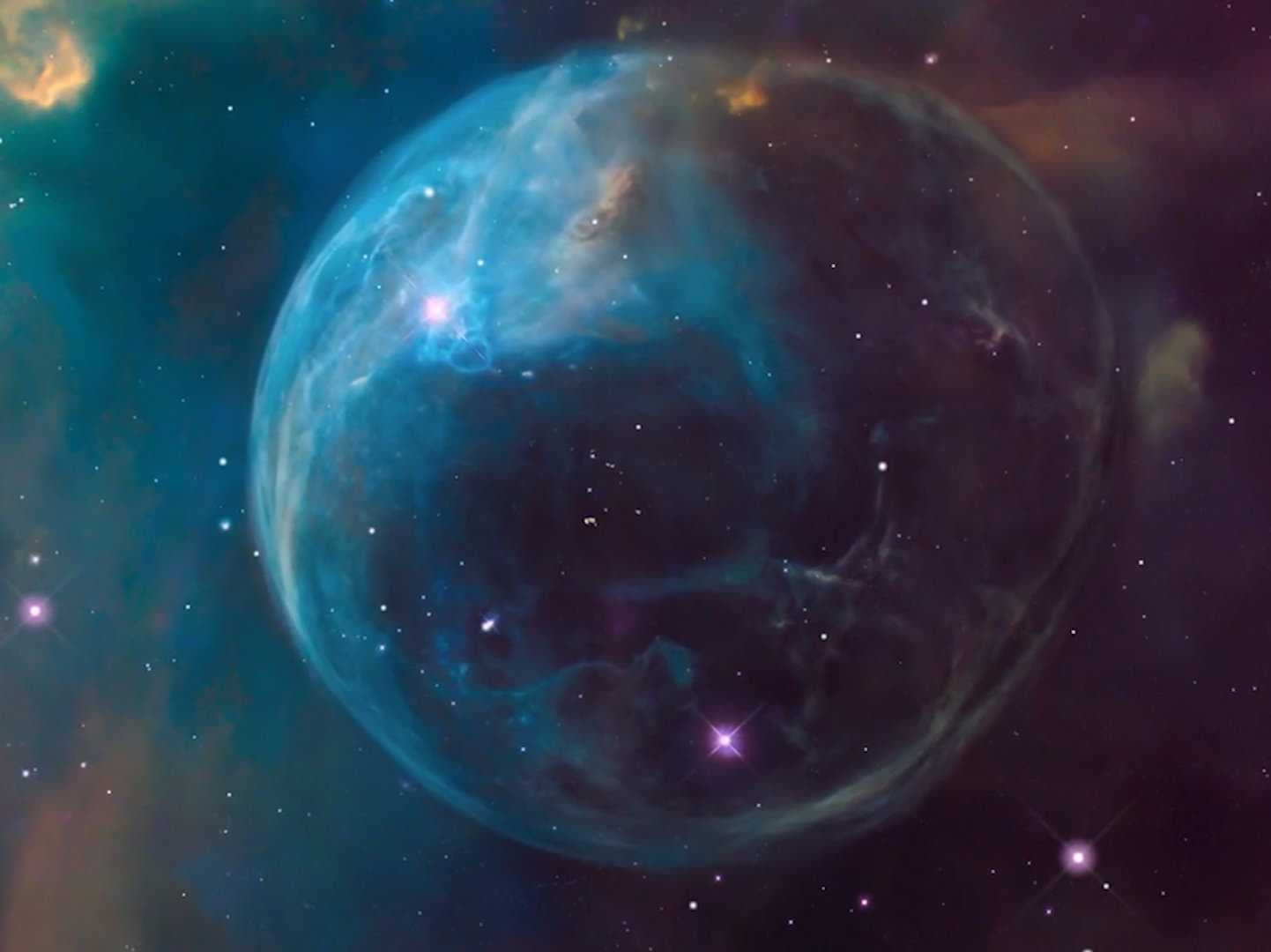 The-hubble-captured-an-incredible-image-of-a-gigantic-cosmic-soap-bubble
