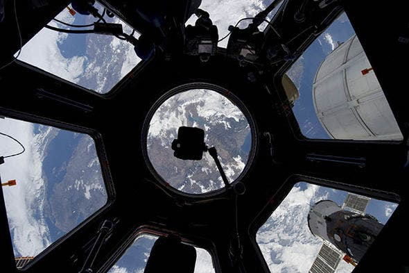 NASA-International-Space-Station-ISS-live-stream-watch-Earth-space-879443