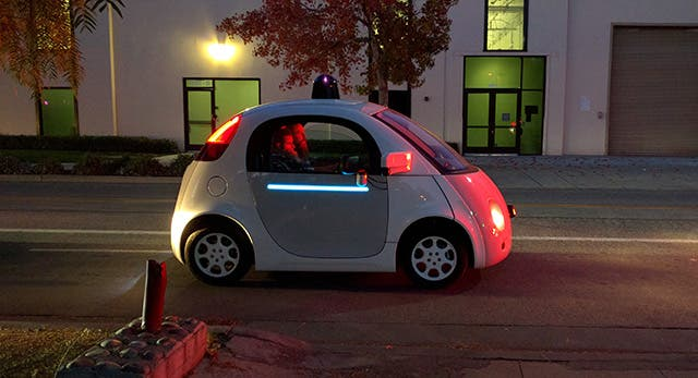 Google-self-driving-car-lit-up-1451478496 (1)